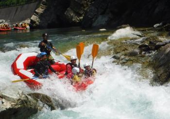 豊富な川遊び